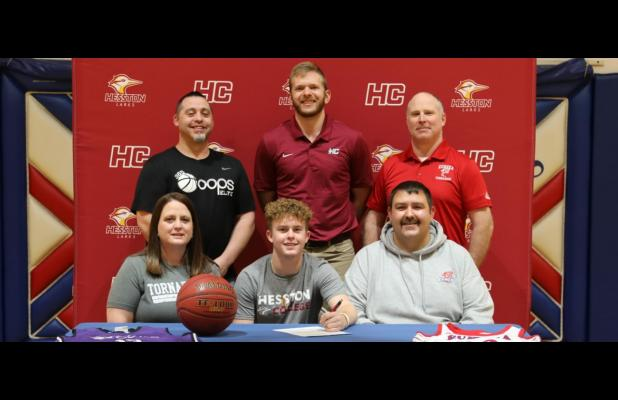 To Play Basketball For Hesston College